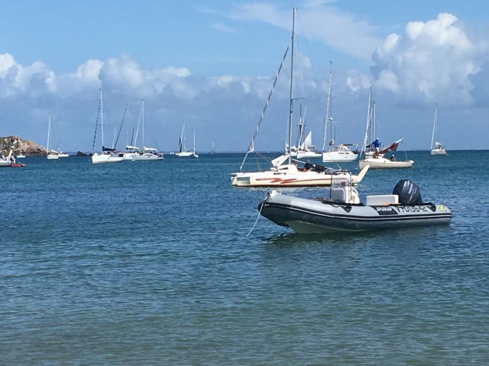 Rental yacht Erdeven - Zodiac Flotteur Pro 9 Man on SamBoat