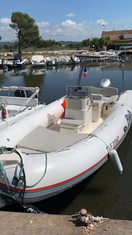 Boat rental Bwa Sport 22 GT in Hyères on Samboat
