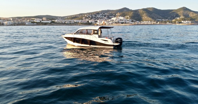 Rental Motorboat in Sitges - Quicksilver Quicksilver 755 Week-End