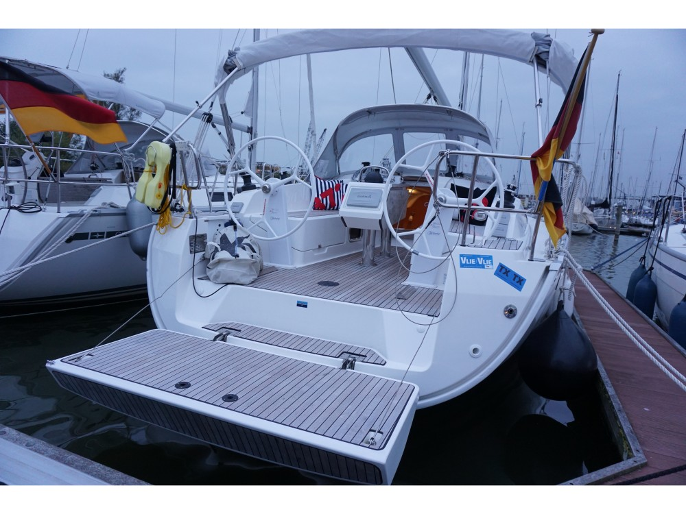 Boat rental Bavaria Bavaria Cruiser 37 in  on Samboat