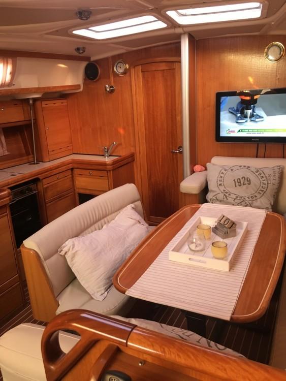 Rent a Bavaria Bavaria 42 Cruiser Lemmer