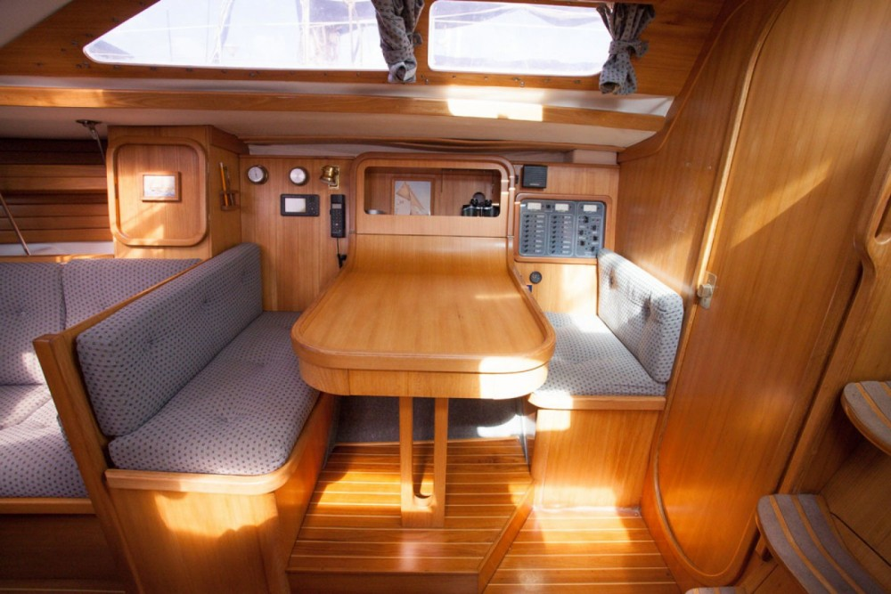 Sailboat for rent Honfleur at the best price