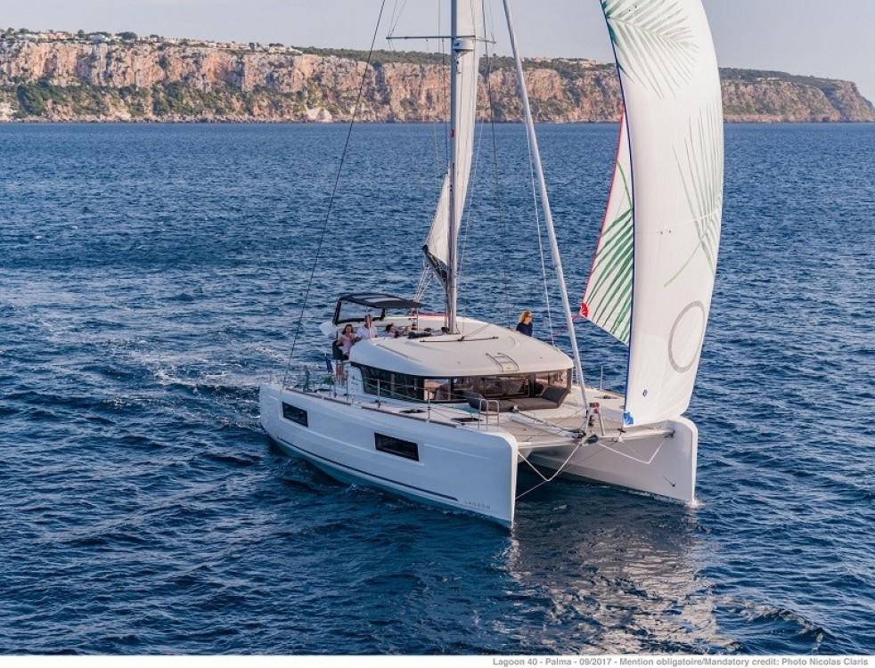 Boat rental Kotor cheap Lagoon 40