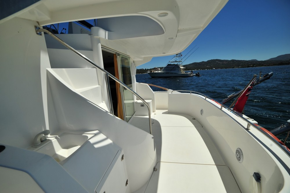 Rent a Fountaine Pajot Maryland 37