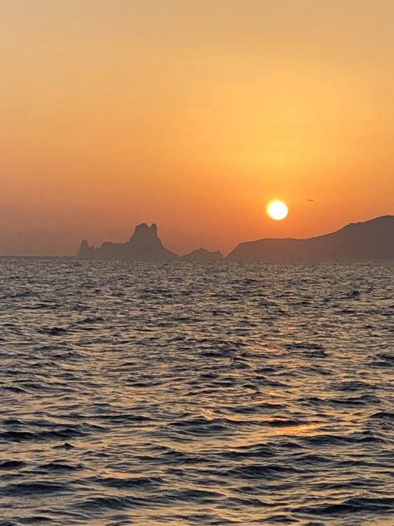 Rent a Sea Ray Sea Ray 295 SLX Ibiza