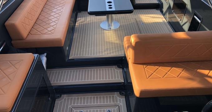 Rental yacht Saint-Jean-Cap-Ferrat - VanDutch VanDutch 40 on SamBoat