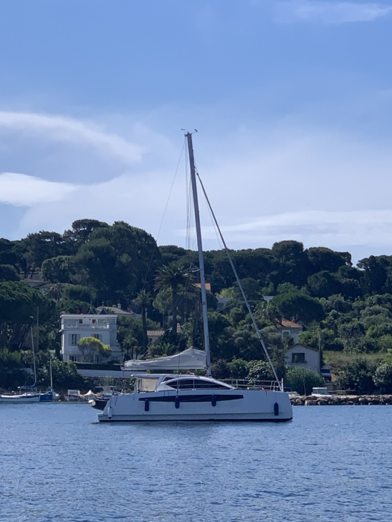 Rental yacht Vallauris - Comet  Cat-37 on SamBoat