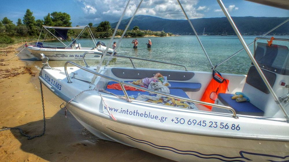 Motorboat for rent Vourvourou at the best price