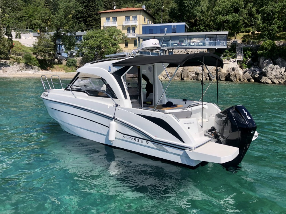 Hire Motorboat with or without skipper Bénéteau Opatija