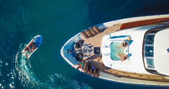 Boat rental Mondomarine Mondomarine 82 in Saint Barthalemy on Samboat