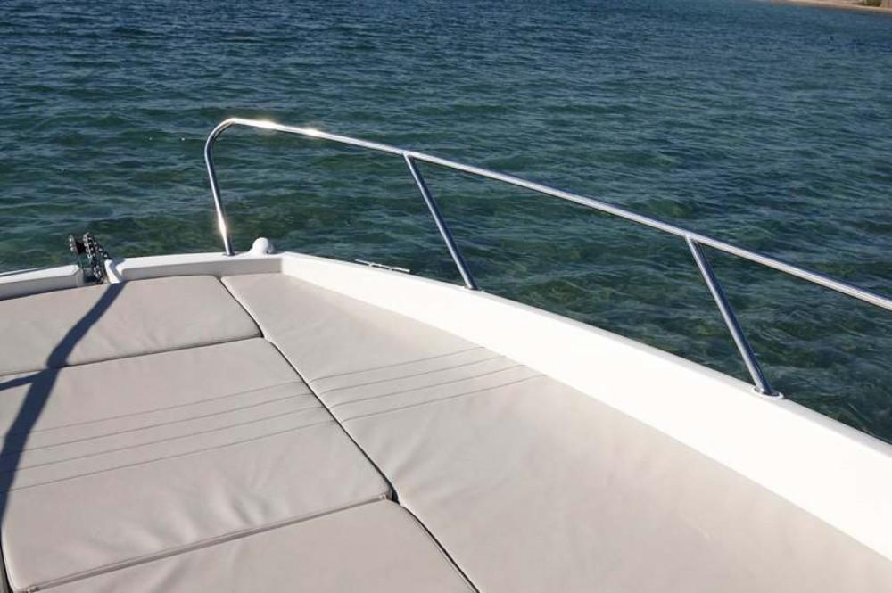 Rental Motorboat in Posthudorra/Porto Torres - Quicksilver Activ 675 Sundeck