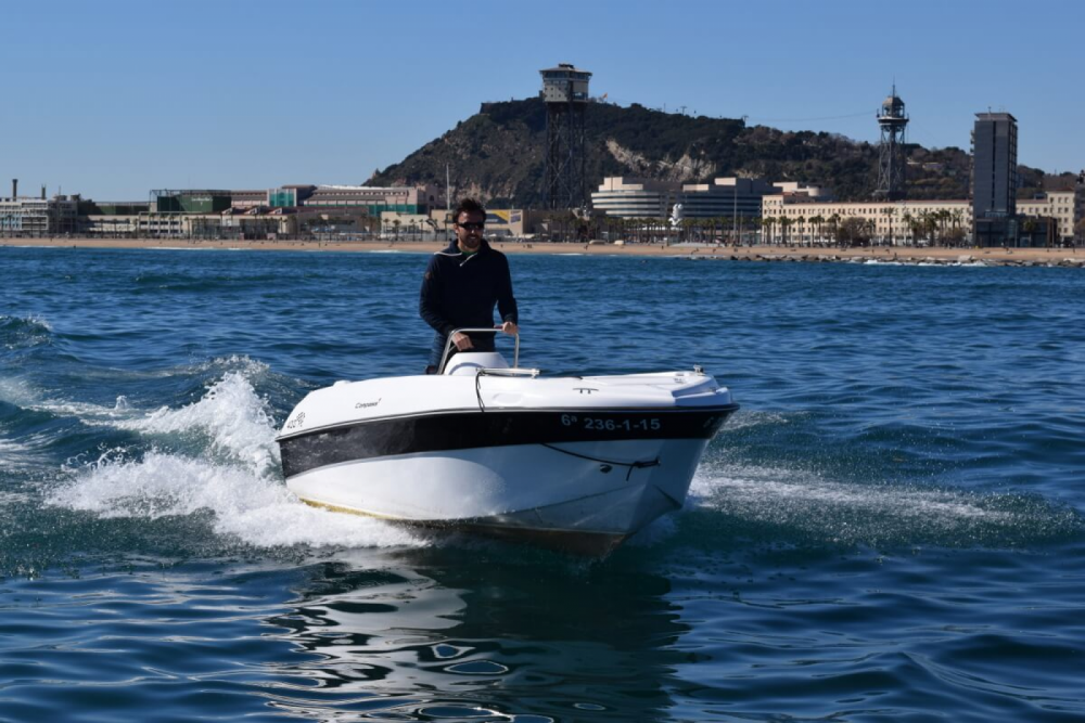 Rental Motorboat Custom Made with a permit