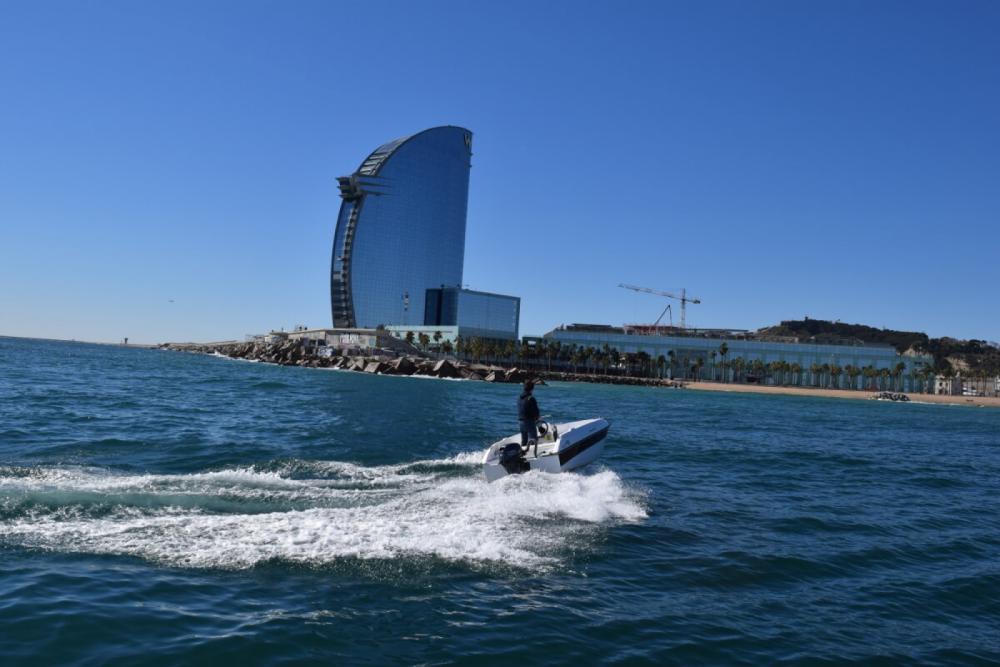 Boat rental Custom Made 400 GT N in Barcelona on Samboat