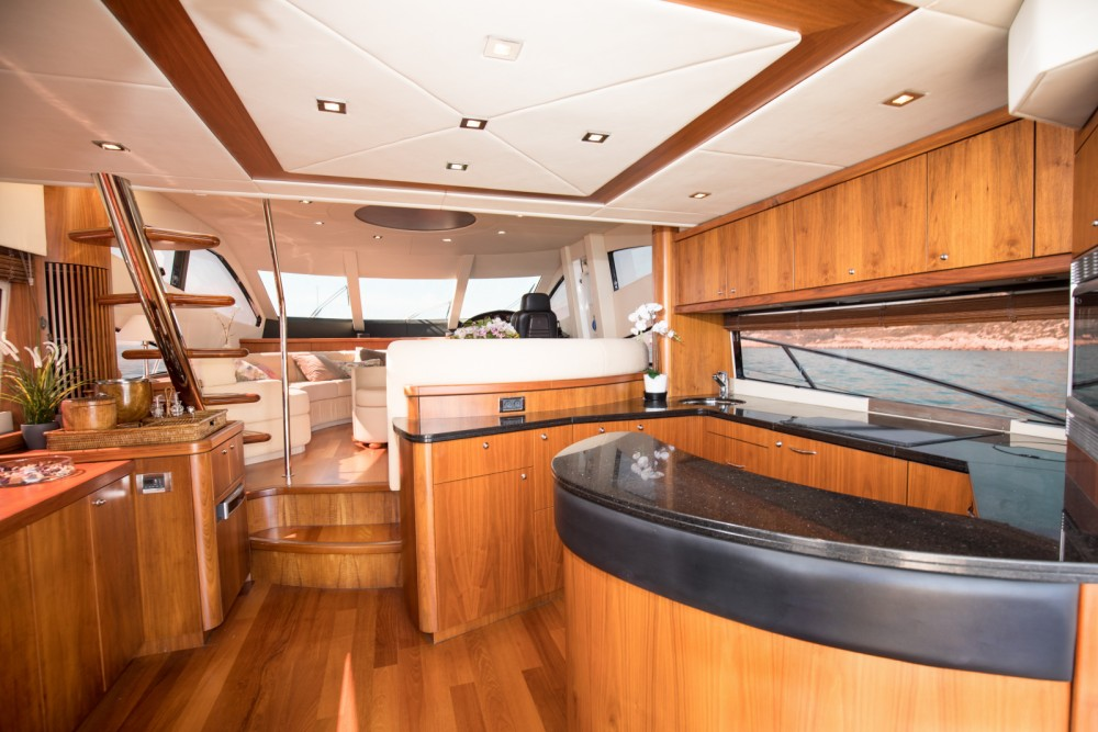 Boat rental Sunseeker Manhattan 66 in Palma on Samboat