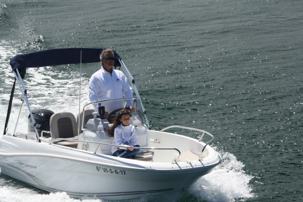 Rental yacht Baiona - Jeanneau Cap Camarat 4.7 CC Style on SamBoat