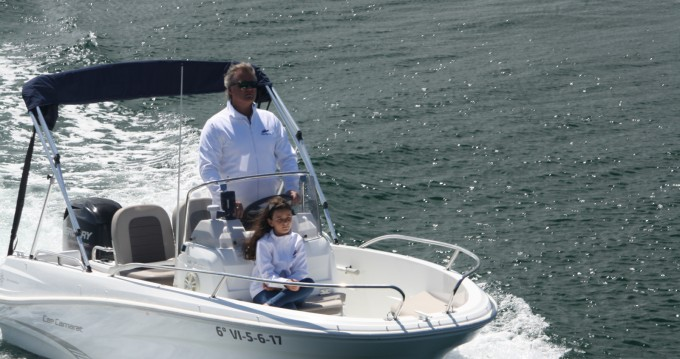 Motorboat for rent Baiona at the best price