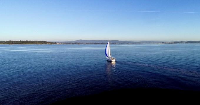 Rental yacht Vilagarcía de Arousa - Bavaria 32 Cruiser on SamBoat