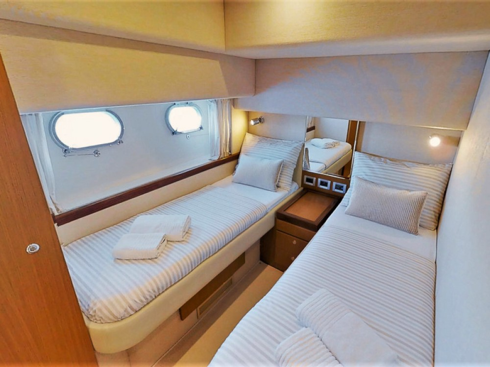 Rental yacht  - Ferreti Ferretti 630 on SamBoat