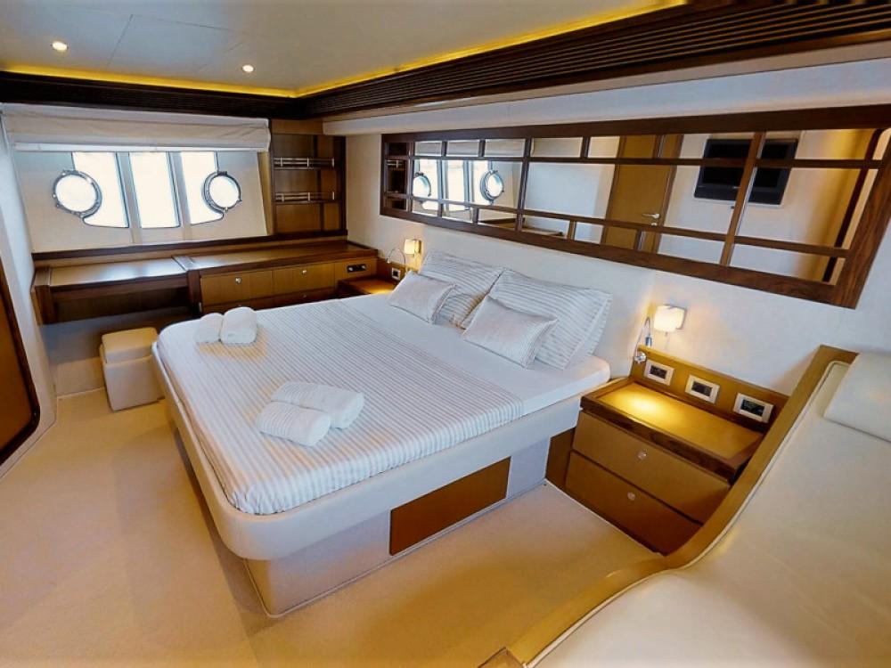 Boat rental  cheap Ferretti 630