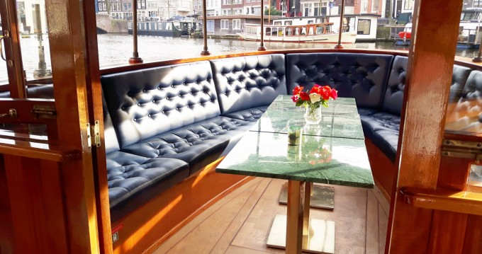 Rent a Aemstelland Salonboot Amsterdam