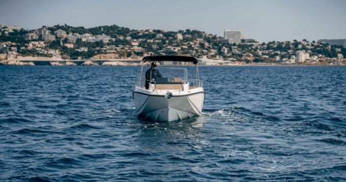 Boat rental Pointe-Rouge cheap Activ 675 Open