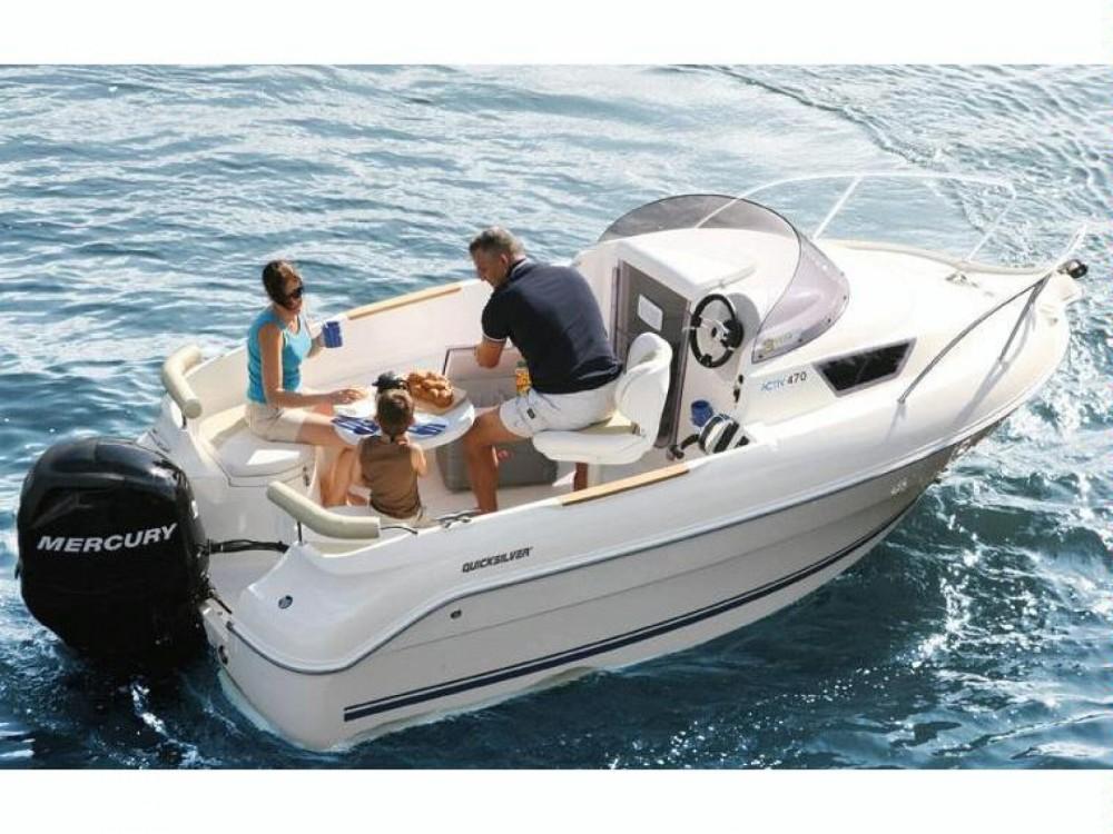 Rental Motorboat in Saint-Laurent-du-Var - Quicksilver Quicksilver 470 Cruiser