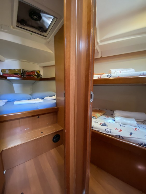 Boat rental Bénéteau Oceanis 43 in Fethiye on Samboat