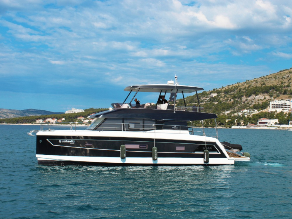 Boat rental Fountaine Pajot My 44 in  on Samboat