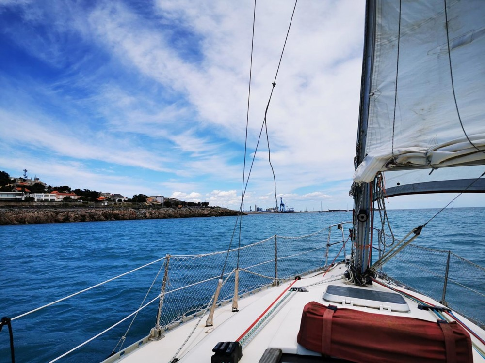 Sailboat for rent Sète at the best price