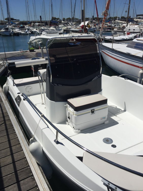 Rental Motorboat in La Rochelle - Bénéteau Flyer 5.5 SPACEdeck