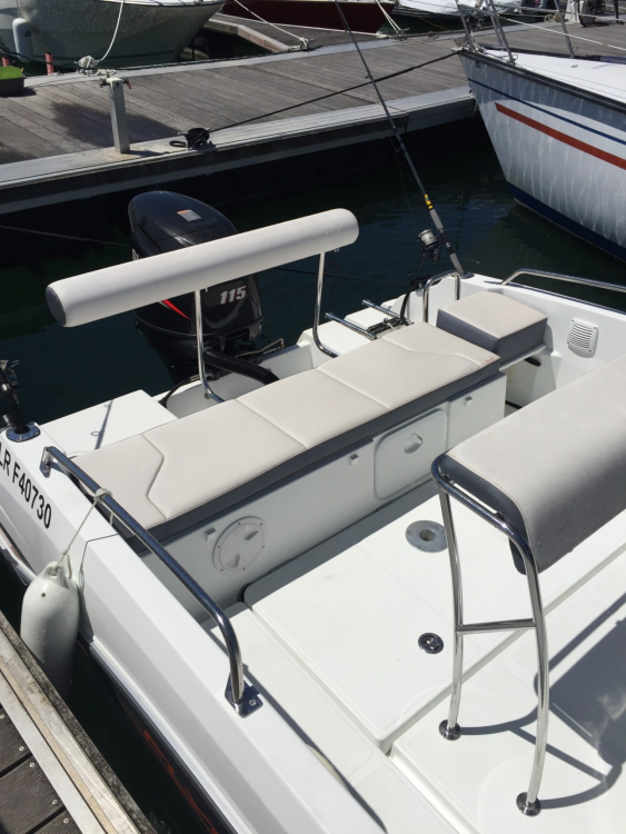 Boat rental La Rochelle cheap Flyer 5.5 SPACEdeck
