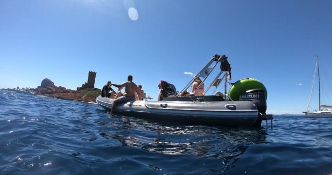 Boat rental Motonautica-Vesuviana Perla Nera 780 in Villeneuve-Loubet on Samboat