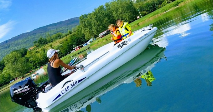 Motorboat for rent Seyssel at the best price