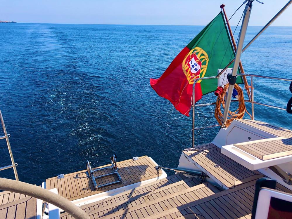 Boat rental Elan 514 Impression in Algarve on Samboat