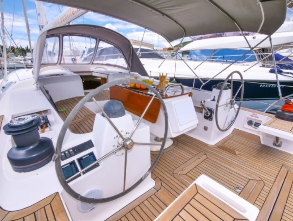 Rental yacht Algarve - Elan 514 Impression on SamBoat