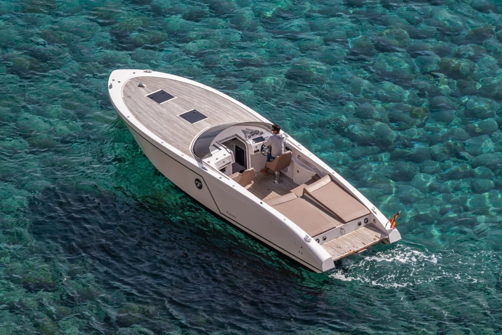 Hire Motorboat with or without skipper Frauscher Balearic Islands