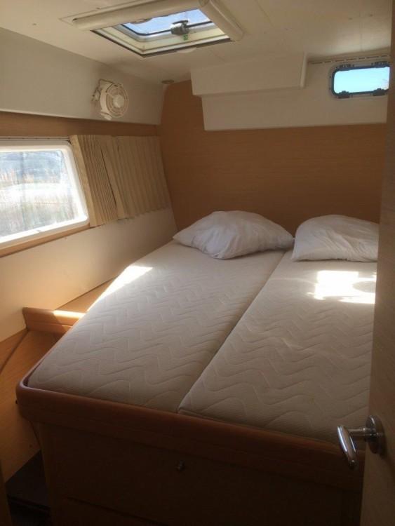 Rental yacht Antibes - Lagoon Lagoon 420 on SamBoat