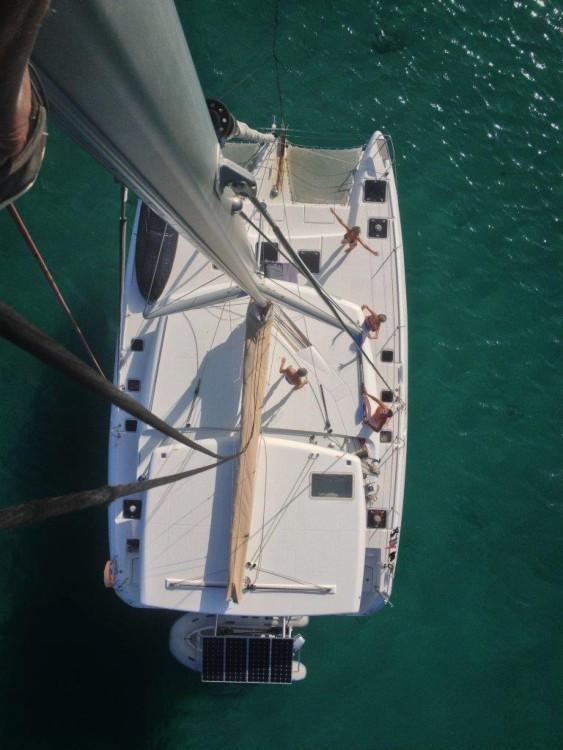 Boat rental Lagoon Lagoon 420 in Antibes on Samboat