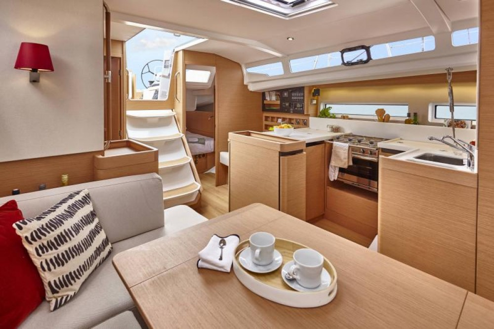 Jeanneau Sun Odyssey 440 between personal and professional Porto Santa Margherita