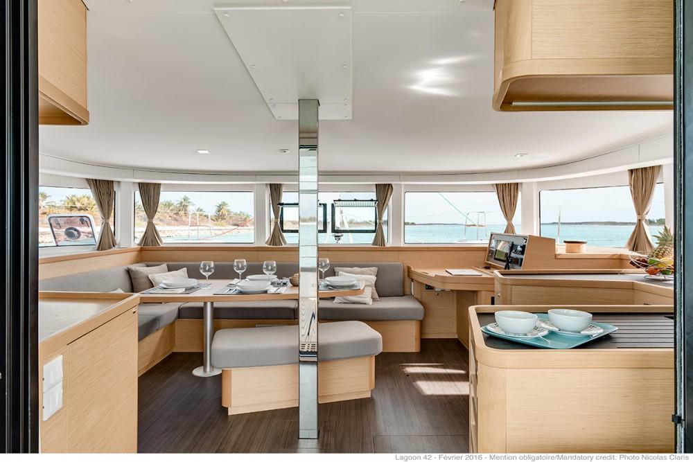 Boat rental Vólos cheap Lagoon 42