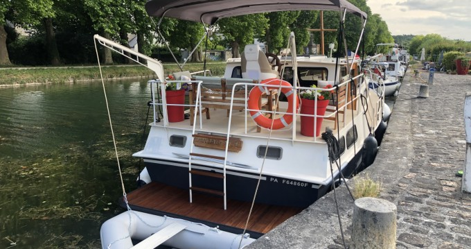 Rental yacht Moret-sur-Loing - Van Pelt Kruiser AK on SamBoat