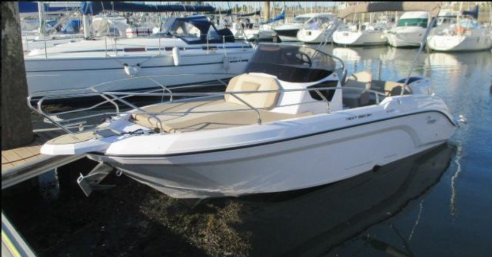 Boat rental Ranieri Next 220 SH in Arzon on Samboat