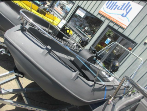 Rental Motorboat in Arzon - Whaly whaly 435