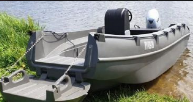 Rental Motorboat Whaly with a permit