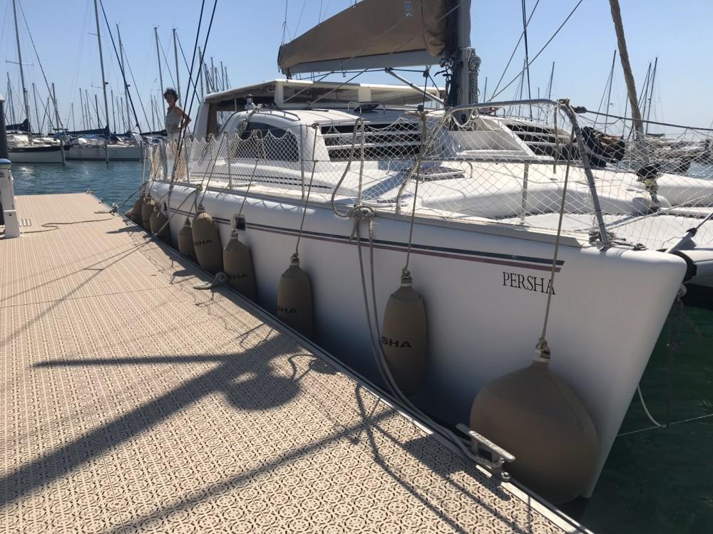 Boat rental Leopard Leopard 47 in La Rochelle on Samboat