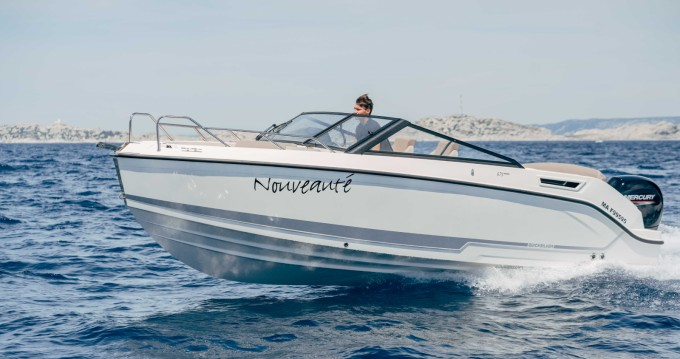 Motorboat for rent Pointe-Rouge at the best price