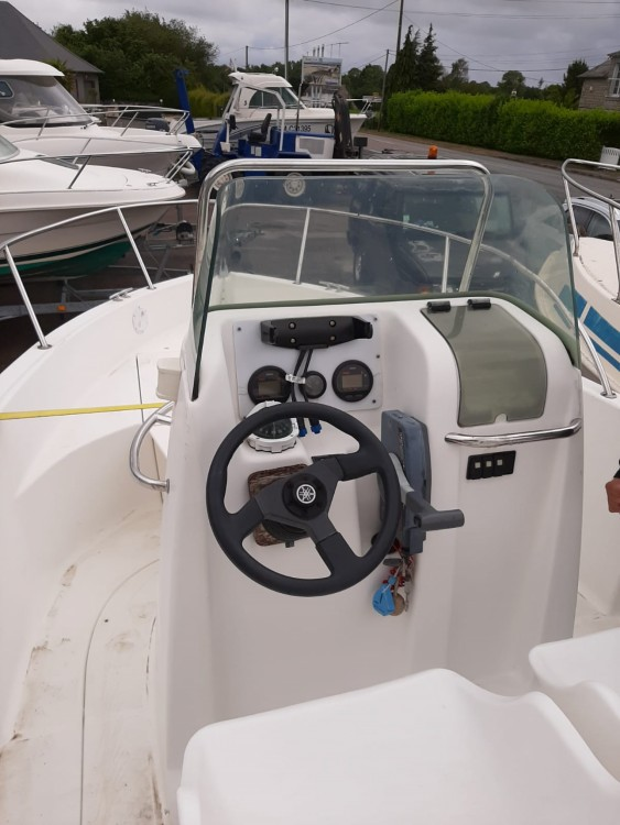 Hire Motorboat with or without skipper Bénéteau Dinard