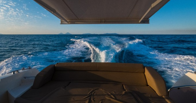 Motorboat for rent Capo d'Orlando at the best price