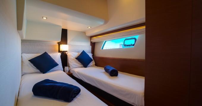 Boat rental Jeanneau Prestige 500 S in Lipari on Samboat