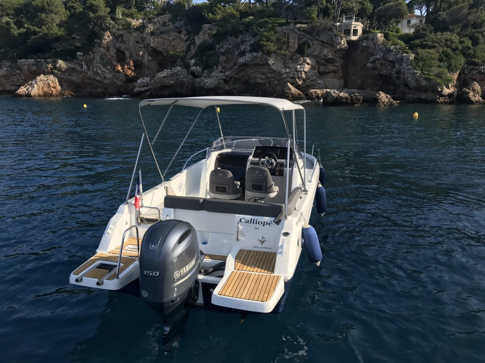 Boat rental Jeanneau Cap Camarat 6.5 WA Serie 3 in Antibes on Samboat